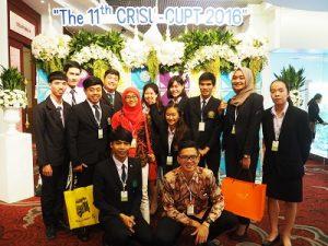 Cecelia bersama dengan mahasiswa dari Thailand, Filipina, dan Cina. (foto : istimewa)