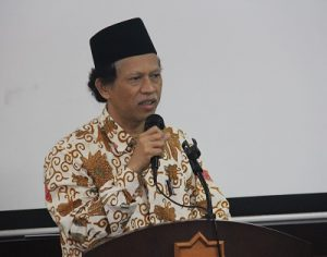 Prof Sutrisno saat berbicara pada Koordinasi Forum Ekonomi Syariah Perguruan Tinggi Muhammadiyah (PTM) di UMY, Jumat (5/11/2016). (foto:istimewa