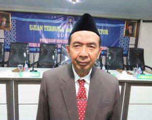 Subroto sebelum ujian terbuka promosi doktor di Pascasarjana FIAI UII Yogyakarta, Sabtu (3/12/2016). (foto : heri purwata)